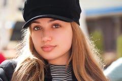 Modna młoda brunetka zdjęcia royalty free