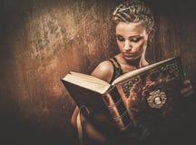 Modna steampunk dziewczyna obraz royalty free