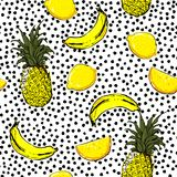 Modne i świeże ręki nakreślenia lata owoc cytryny, ananas, Banan royalty ilustracja