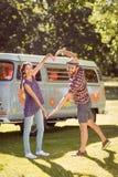 Modniś para robi sercu z rękami Obraz Royalty Free