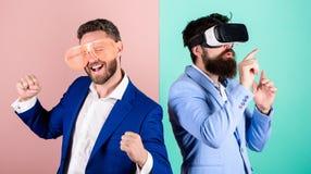 Modniś rekonesansowa rzeczywistość wirtualna Biznesowego narzędzia nowożytna technologia Istna zabawa i wirtualna alternatywa 308 fotografia royalty free