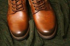 Modni rzemienni buty, pulower Fotografia Stock