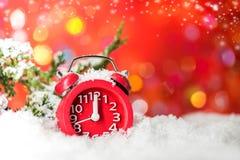 Modnight-Uhr auf Schnee für Verkauf Lizenzfreies Stockfoto