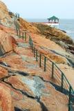 Modo alla pergola cinese sulla costa di mare in Macao Fotografia Stock