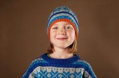 Modo dei lavori o indumenti a maglia del cappello del ponticello del bambino Immagine Stock Libera da Diritti