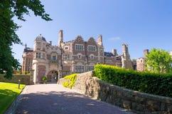 Modo dell'entrata del castello Fotografia Stock Libera da Diritti