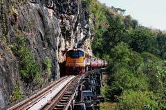 Modo della ferrovia sulla struttura di legno Immagini Stock