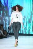 Modo di Bipa sfilata di moda 2017 di ora: Marina Design, Zagabria, Croazia Immagine Stock