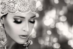 Modo etnico di bellezza Donna etnica Ritratto monocromatico fotografia stock libera da diritti