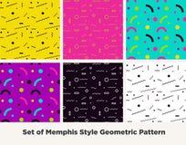 Modo Memphis Style Geometric Pattern dei pantaloni a vita bassa Immagini Stock