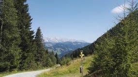 Modo nelle montagne Fotografia Stock