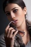 Modo - pelliccia - occhiali da sole fotografie stock