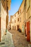 Modo variopinto del vicolo in Toscana Fotografia Stock