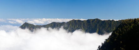 Moduli della nebbia sulla valle Kauai di Kalalau Immagini Stock Libere da Diritti