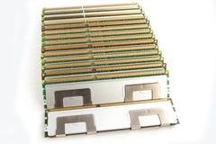 Moduli di memoria isolati sui precedenti bianchi Fotografia Stock