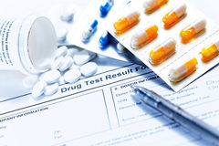Modulo da riempire della prova di droga Fotografia Stock Libera da Diritti