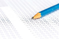 Modulo di risposta con la matita Fotografia Stock Libera da Diritti