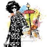 Mody dziewczyna na ulicznym tle Fotografia Stock