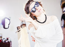 Mody dziewczyna z zakupy Zdjęcia Royalty Free