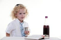 Młody kędzierzawy z włosami żydowski caucasian Fotografia Royalty Free