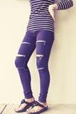 Mody kobieta z cajgami Fotografia Royalty Free