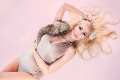 Mody kobieta z fachowym włosy Fotografia Royalty Free