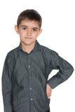 Mody młoda chłopiec przeciw bielowi Fotografia Stock