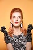 Mody piękna portreta kobieta w rękawiczkach Rocznik Obraz Royalty Free