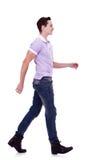 mody przedni mężczyzna bocznego widok odprowadzenie fotografia royalty free