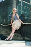 mody TARGET4200_1_ dziewczyna blisko Obrazy Stock