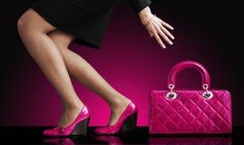 mody torebka iść na piechotę seksownej fotografii kobiety Fotografia Royalty Free