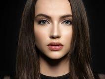 mody włosy długi wzorcowy prosty mody modela target299_0_ studio obraz stock