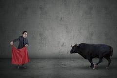 Moed van managergezicht een stier royalty-vrije stock fotografie