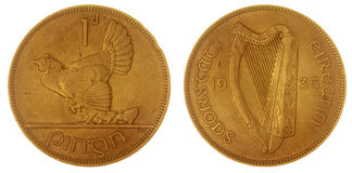 1 moeda da moeda de um centavo 1935 isolada no fundo branco, Irlanda Fotografia de Stock