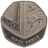 a moeda de 50 moedas de um centavo, Reino Unido isolou-se sobre o branco Imagens de Stock Royalty Free