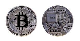 Moeda de prata de Bitcoin isolada no fundo branco Fotos de Stock