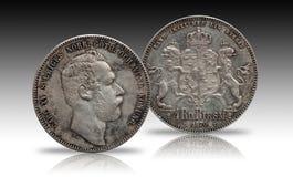 A moeda de prata quatro de Noruega da Suécia rigsdaler de 4 thaler minted Carl 1870 XV isolado no fundo do inclinação foto de stock royalty free
