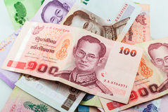 Moeda de Tailândia do fundo das cédulas do baht Imagens de Stock Royalty Free