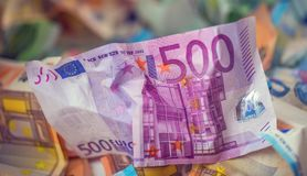 Moeda do euro das cédulas do dinheiro do Euro euro- Euro- bankno fraco de encontro Foto de Stock