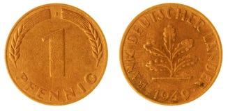 1 moeda do pfennig 1949 isolada no fundo branco, Alemanha Fotografia de Stock Royalty Free