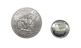 Moeda do rublo com dólar no fundo branco isolado Fotos de Stock Royalty Free