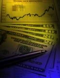 Moeda dos E.U. - carta financeira Fotografia de Stock Royalty Free