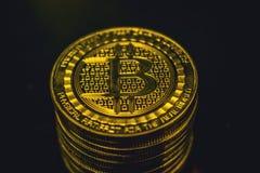 Moeda dourada de Bitcoin, conceito do cryptocurrency, conceito do mercado do bitcoin, cryptocoins Imagem de Stock Royalty Free