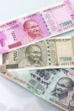 Moeda indiana de 100, 500 e 2000 notas da rupia Foto de Stock Royalty Free