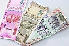 Moeda indiana de 100, 500 e 2000 notas da rupia Imagens de Stock Royalty Free
