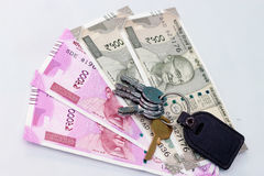 Moeda indiana de 500 e 2000 notas da rupia Fotografia de Stock