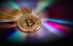Moeda virtual de Bitcoin Troca com o Bitcoin O risco de comprar uma moeda virtual Conceito cripto do fundo da moeda fotografia de stock