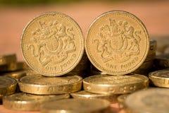 Moedas de libra inglesas Imagens de Stock