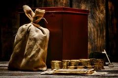 Moedas de ouro da legenda e expedição ocidentais americanas do dinheiro Fotografia de Stock Royalty Free