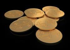Moedas de ouro no preto Imagens de Stock Royalty Free